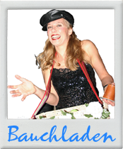 Comedy-Bauchladen-Dame - Die besten Comed-Künstler (Walkacts) für Ihre Veranstaltung (Event, Feier, Betriebsfest, Firmenfeier, Geburtstag, Hochzeit, Jubiläum, Weihnachtsfeier, Verlobungsfeier, Messe, etc. ) in Köln, Bonn, Düsseldorf, Düren, Aachen, bergisch-Gladbach, Leverkusen, Essen, Frankfurt, Stuttgart, Hamburg, München, Hannover, Berlin