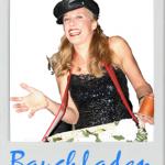 Blue Moon Künstlerteam (Köln) - Bauchladen-Dame - Die besten Comedians & Comedy-Künstler (Walkacts) für Ihre Veranstaltung (Event, Feier, Betriebsfest, Firmenfeier, Geburtstag, Hochzeit, Jubiläum, Weihnachtsfeier, Verlobungsfeier, Messe, etc. ) in Köln, Bonn, Düsseldorf, Düren, Aachen, bergisch-Gladbach, Leverkusen, Essen, Frankfurt, Stuttgart, Hamburg, München, Hannover, Berlin