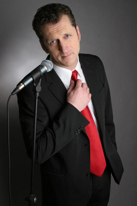 Peter: Comedy-Redner, Zauberer, Musiker, Sänger, Gitarrist, Pianist, Comedian, Moderator, Weihnachtsmann