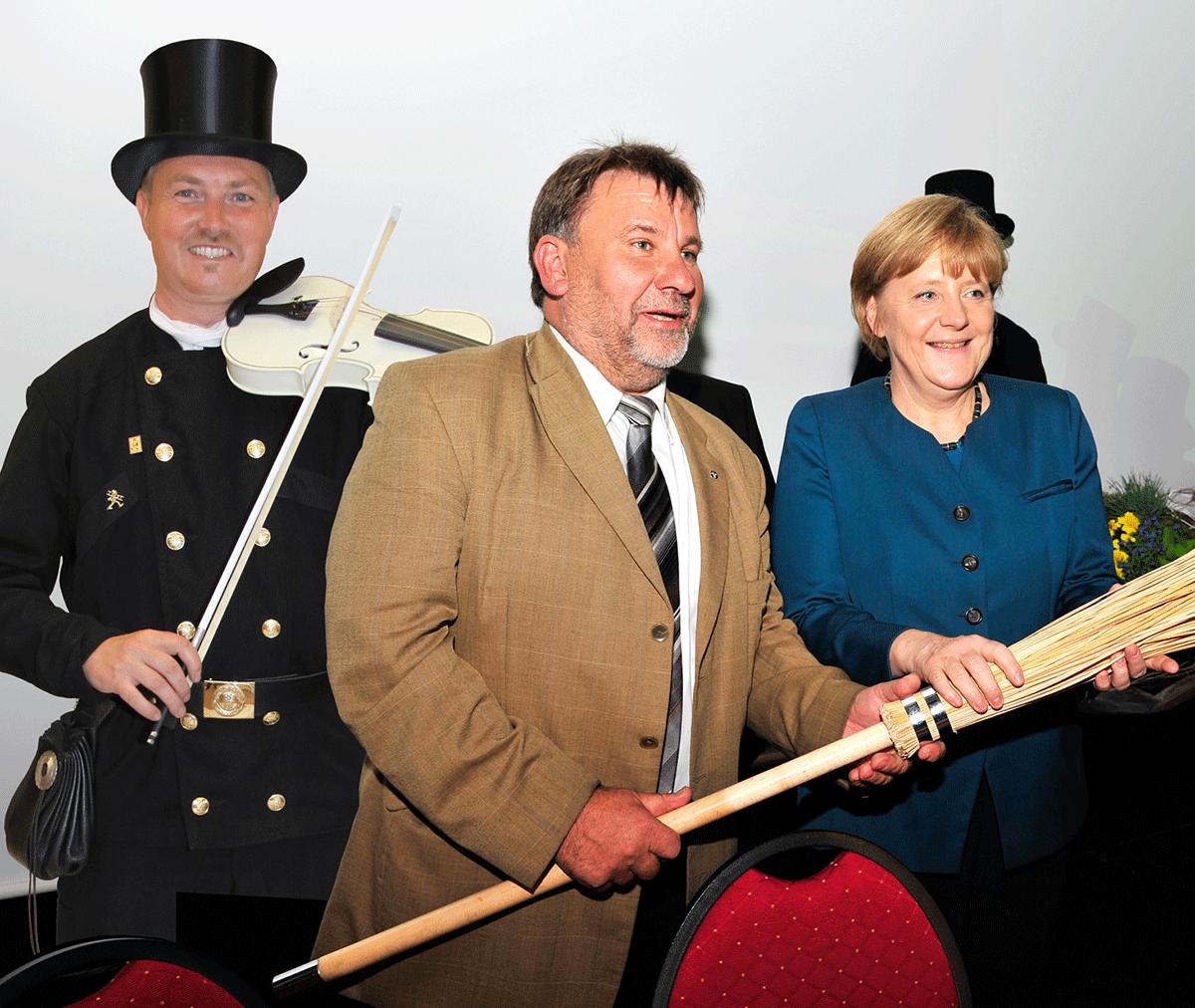 Schornsteinfeger Geiger Musik Merkel Show Künstler