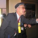 Der komische Comedy-Schaffner aus Köln kontrolliert auch gerne auf Ihrer Veranstaltung!